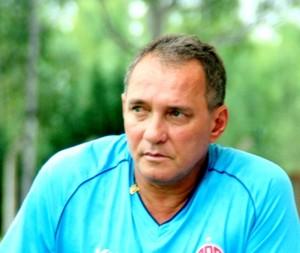 PC Gusmão, técnico do Penapolense (Foto: Silas Reche / CA Penapolense)