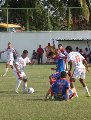 Caiçara e Piauí pela primeira rodada do segundo turno do Piauiense 2014 (Foto: Josiel Martins)