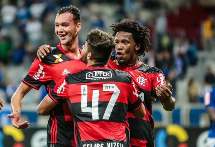 Réver gol Flamengo Cruzeiro (Foto: ANTILDES BICALHOS/PHOTOPRESS/ESTADÃO CONTEÚDO)