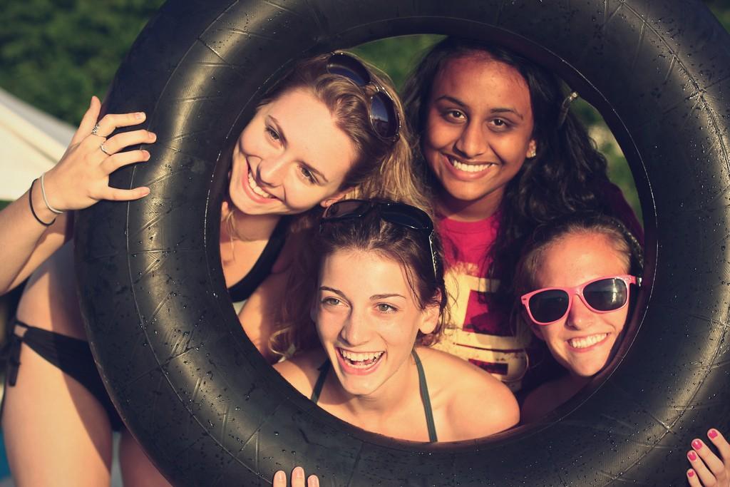 Seus amigos mais felizes influenciam mais a sua vida do que você imagina (Foto: Flickr / Alex)