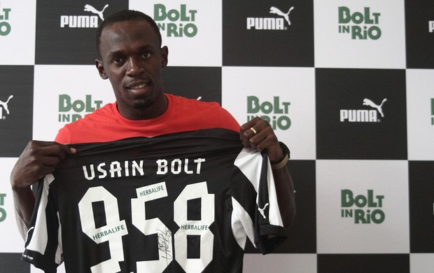Bolt camisa Botafogo (Foto: Divulgação)