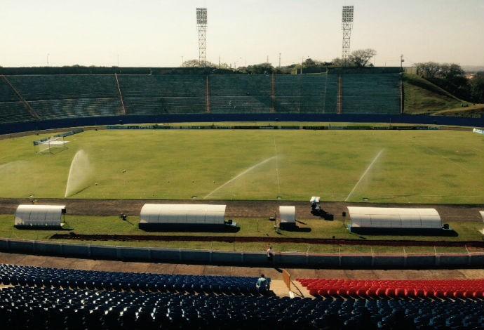 Estádio do Café Londrina (Foto: Tiago Pereira/RPC)