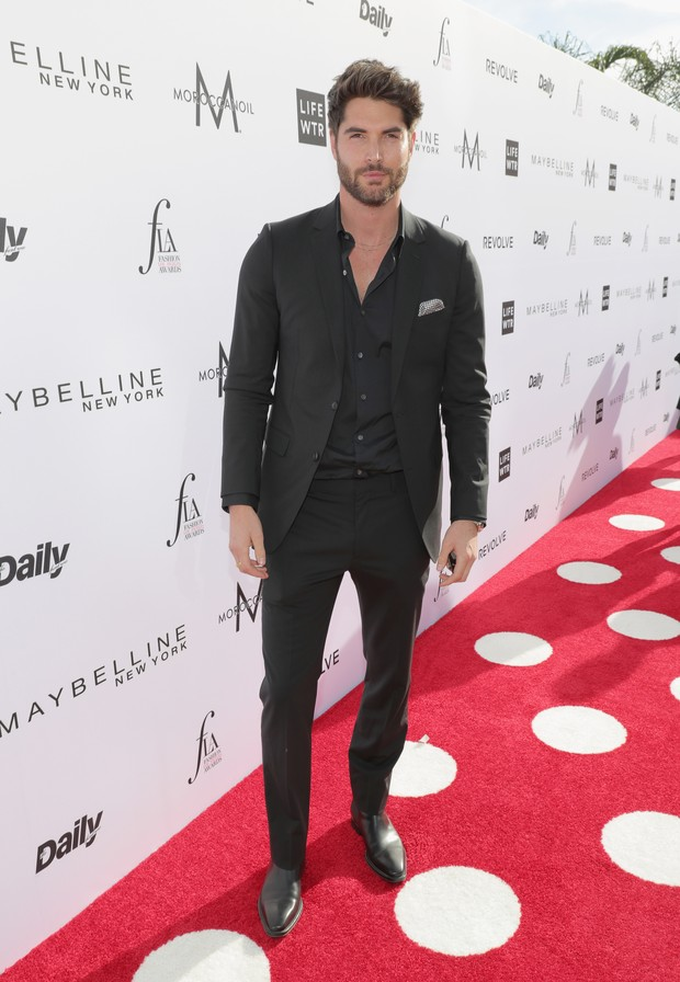 Nick Bateman no Los Angeles Fashion Awards (Foto: AFP)