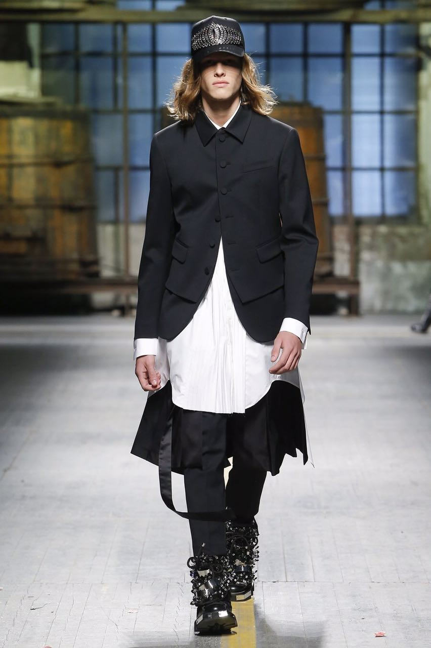 Ariel Rosa desfilando pela DSquared2 na Semana de Moda Masculina de Milão (Foto: Divulgação/Agência JOY)