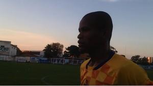 Gil Mineiro é apelidado de Gilnaldinho por colegas de elenco do Interporto (Foto: Vilma Nascimento/GloboEsporte.com)