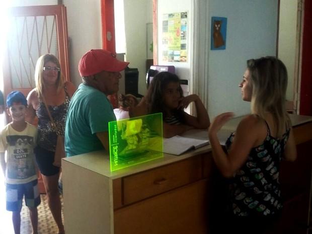 Entre os cursos oferecidos estão cursos de reciclagem, pintura e capoeira (Foto: Divulgação)