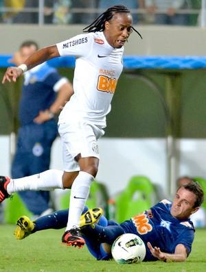 Arouca na partida do Santos contra o Cruzeiro (Foto: Pedro Vilela / Futura Press)