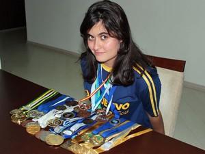 Liara Guinsberg tem mais de 30 medalhas em diversas olimpíadas; física é seu forte (Foto: Arquivo pessoal)