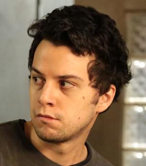 Johnnas Oliva  Rafael Cecatto, filho de Theo Cecatto (Zcarlos Machado) na terceira temporada de Sesso de Terapia (Foto: Divulgao/Jorge Bispo)
