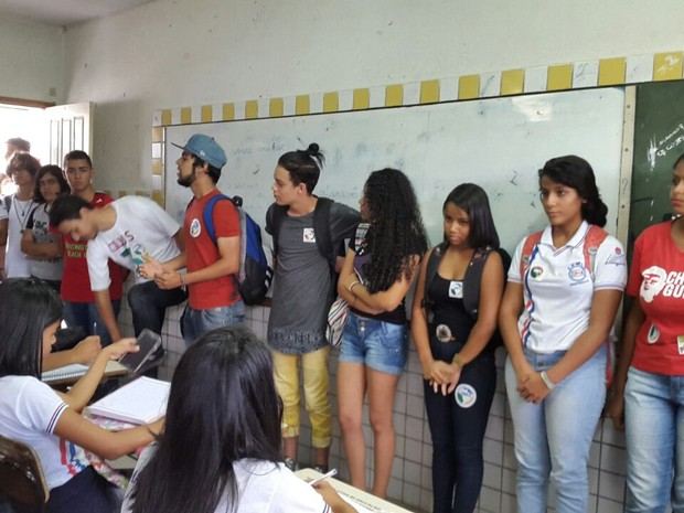 Alunos protestam contra PEC 241 em Arapiraca (Foto: Ana Paula da Silva/Arquivo pessoal)