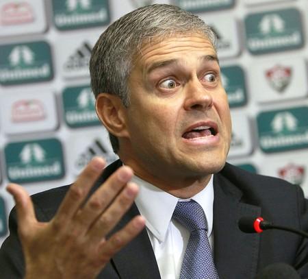 Peter Siemsen coletiva Fluminense (Foto: Carlos Moraes / Agência Estado)