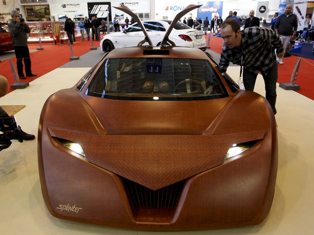Carro-conceito Splinter tem 90% de compostos de madeira (Foto: REUTERS/Ina Fassbender)