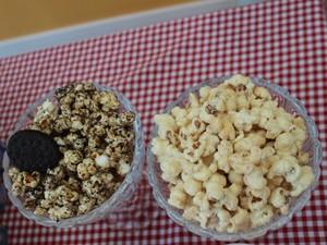 Pipocas doces de leite ninho são as mais pedidas nos eventos e aniversários (Foto: Karynne Katiuzia/ G1)
