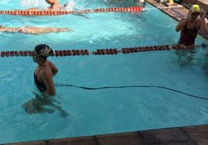 Natação treino com corda (Foto: Guilherme Costa)