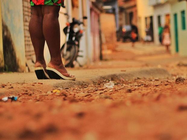 Aos 17, Joana (nome fictício) foi levada contra a vontade a um ponto de prostituição em Pernambuco (Foto: Mariana Frazão/TV Globo)