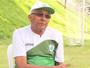 Givanildo cobra acertos nas finalizações em treino do Coelho