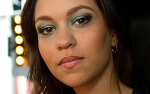 Maquiagem de festa: olho esfumado com verde-água e preto