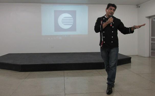 Lenildo Lima falou sobre alimentação saudável e produtos naturais (Foto: frame)