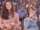 De olho no noivo Zé Loreto, Débora Nascimento admite: 'Sigo ele na web'
