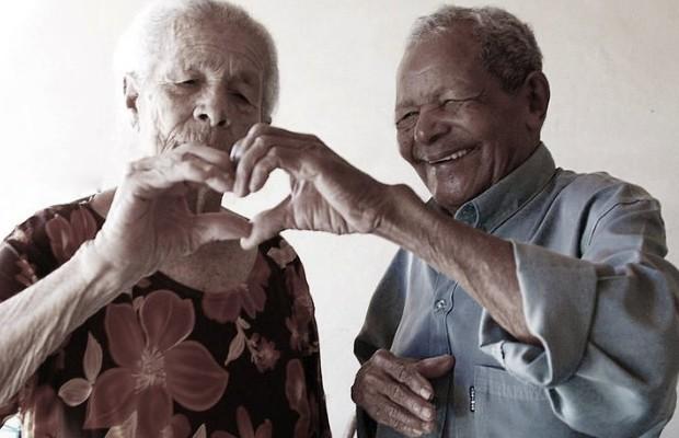Idosos casados há 70 anos fazem ensaio fotográfico para celebrar o amor, em Goiânia, Goiás (Foto: Rívia Soares)