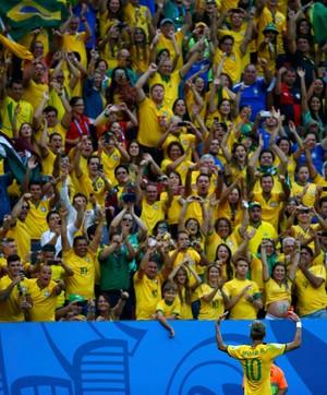 Neymar segundo gol Brasil x Camarões (Foto: Reuters)