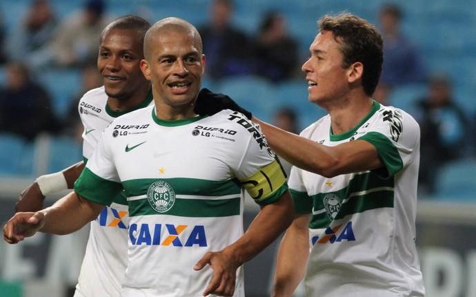 Alex gol Coritiba x Grêmio (Foto: Ag. Estado)
