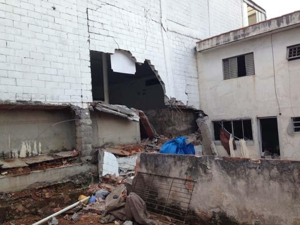 Casas foram atingidas por explosão em academia (Foto: Caio Prestes/G1 São Paulo)