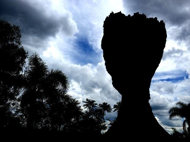 Arenito no formato de taça é o símbolo do Parque Estadual de Vila Velha, em Ponta Grossa (Foto: Flávio Bernardes/RPC TV)