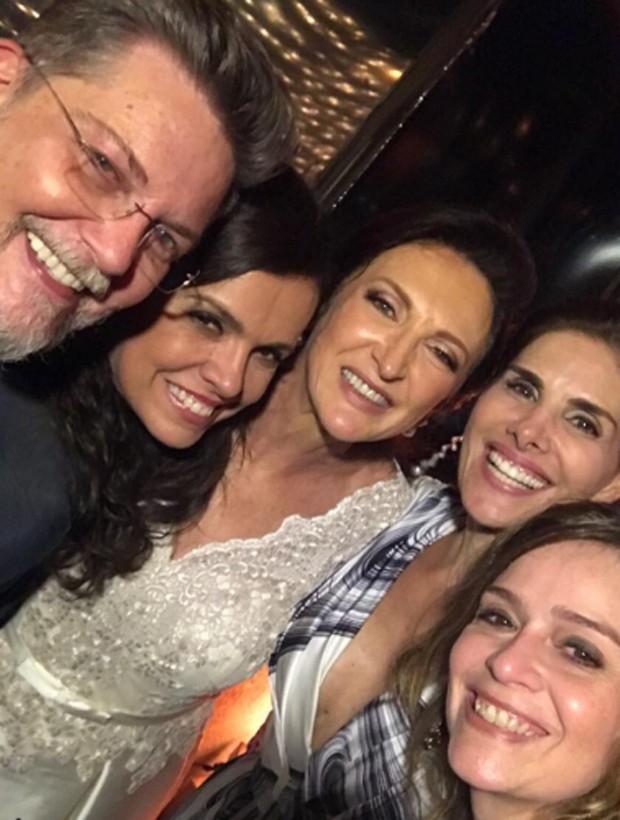 Kiko Mascarenhas, Marcella Muniz, Débora Olivieri, Helena Fernandes e Marcela Altberg (Foto: Reprodução/Instagram)