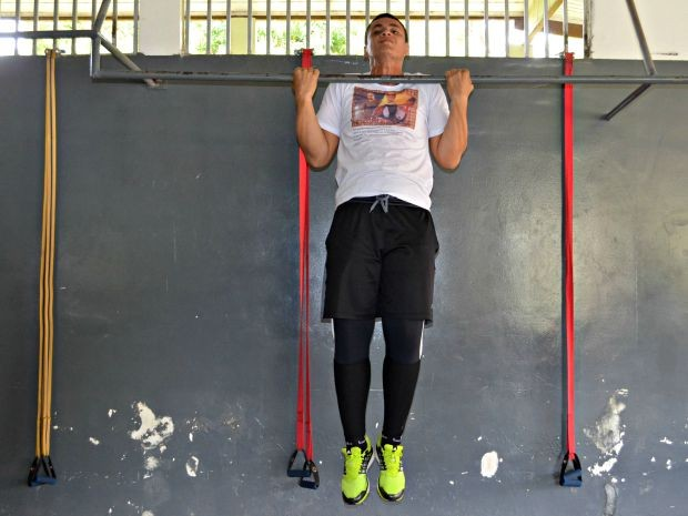 Neto emagreceu 62 quilos com exercício físico e alimentação saudável (Foto: Janine Brasil/G1)