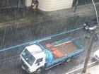 Tempo vira e chuva forte faz Santos Dumont operar por instrumentos