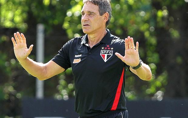 Paulo Cesar Carpegiani no treino do São Paulo (Foto: Luiz Pires / VIPCOMM)