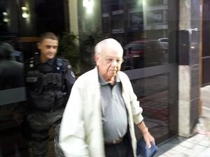 Pastor Gedelti é detido em sua residência, na Praia da Costa (Foto: Leandro Nossa / G1 ES)