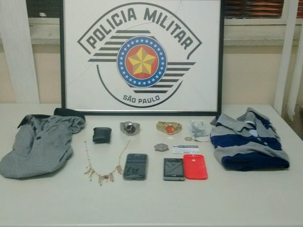 Produtos foram recuperados pela polícia (Foto: Polícia Militar/Cedida)