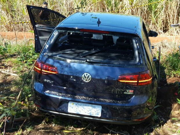 Carro de empresário que foi baleado em Santa Bárbara d'Oeste (Foto: Diário de Santa Bárbara)