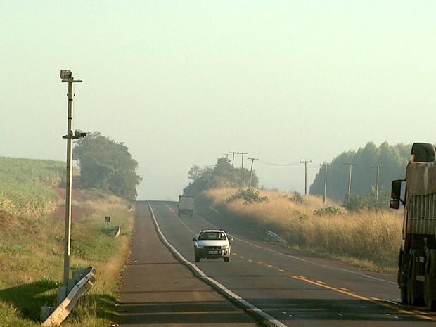 DER não colocou placas sobre radar na rodovia Cunha Bueno (Foto: Reprodução/EPTV)