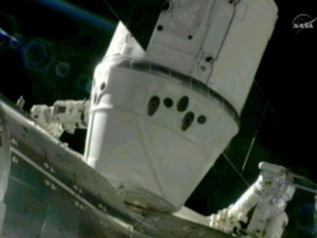 Dragon acoplada à ISS (Foto: Nasa/SpaceX/Divulgação)