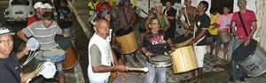 Mil componentes do Clube dos Sem homenageiam Carnavais da cidade (Divulgação)