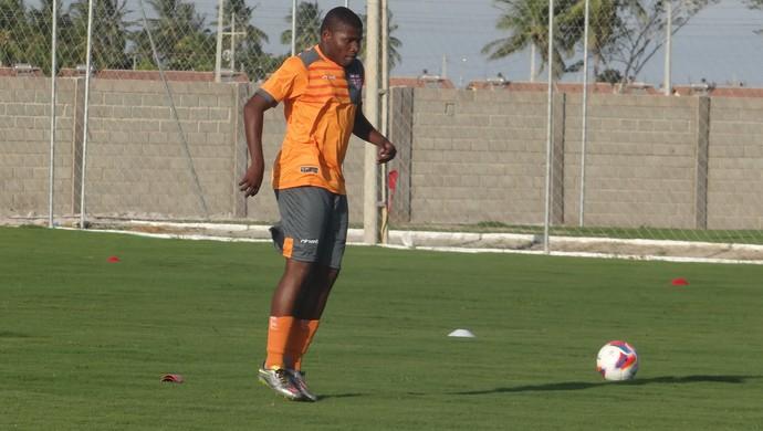 Lúcio Maranhão, atacante do CRB (Foto: Denison Roma/GloboEsporte.com)