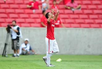 Alisson Farias marca contra o Crueiro-RS e se emociona  (Foto: Ricardo Duarte / Inter, DVG)