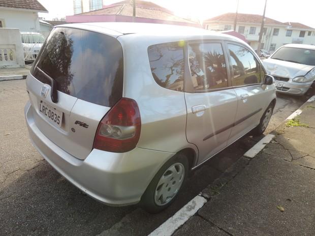 O carro de Jardeline, segundo a dona, vale 40% abaixo do preço de tabela (Foto: Pedro Carlos Leite/G1)