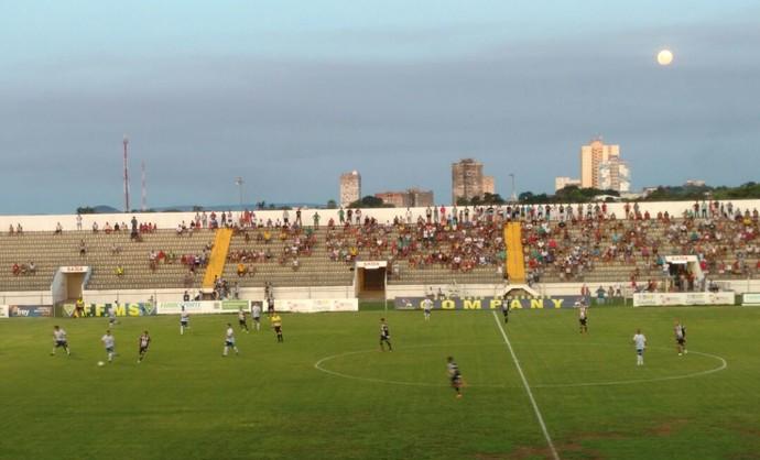 Corumbaense e Ivinhema no Arthur Marinho (Foto: Carlos da Cruz/TV Morena)