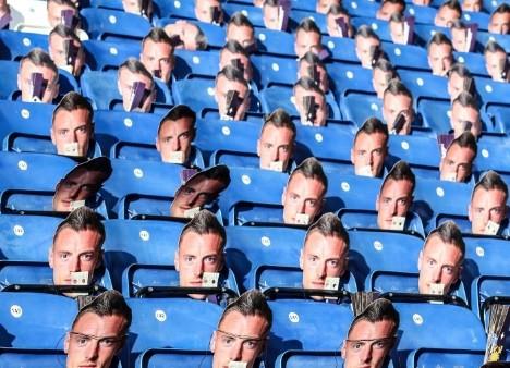 As máscaras de Vardy que serão usadas pela torcida durante o jogo do Leicester
