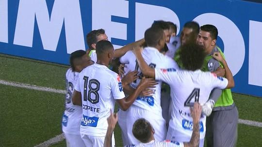 Santos vence Strongest e assume a ponta na Libertadores; Oliveira marca