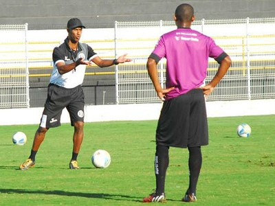 Claudinho Batista técnico XV de Piracicaba Nhô Quim (Foto: Eduardo Castellari/XV de Piracicaba)
