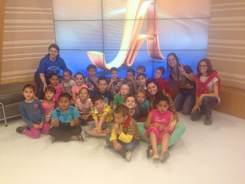 Cerca de 20 alunos aprenderam sobre meios de comunicação  (Foto: Marina Scarabelot Cidade/RBS TV)
