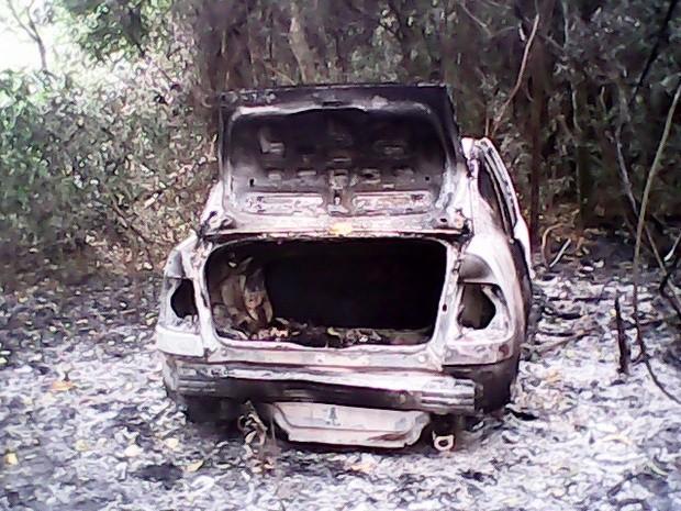 Corpos foram encontrados em veículos em Mombuca (acima) e São Pedro (Foto: divulgação/Polícia Militar)
