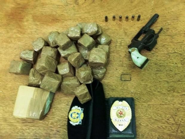 Drogas e arma apreendidas pela polícia em Salinas (Foto: Divulgação / Polícia Civil)