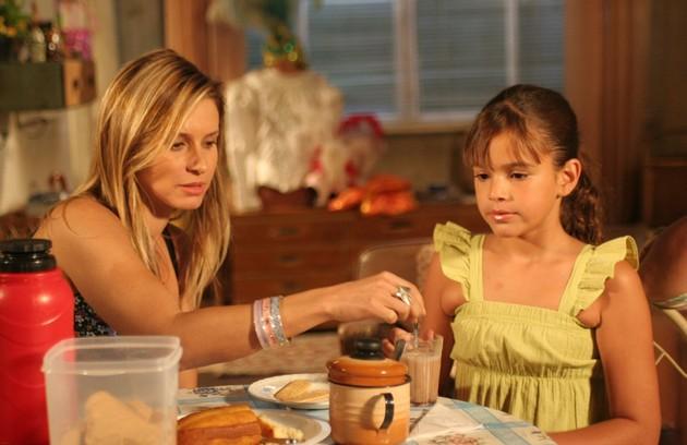 """Em """"América"""", a personagem Maria Flor era a filha cega de Islene (Paula Burlamaqui)/ (Foto: Divulgação/TV Globo)"""