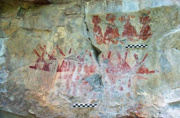 As pinturas representam pessoas, animais, insetos, e imagens abstratas (Foto: Inah Mexico/BBC)